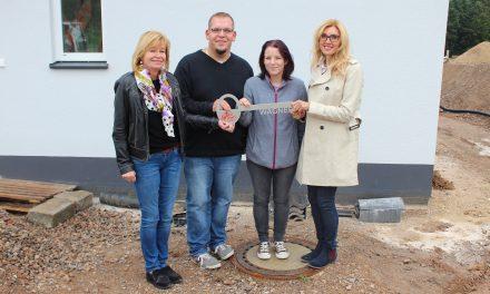 Ein weiteres Einfamilienhaus wurde im Landkreis Straubing übergeben
