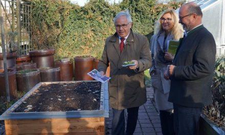 Pflanzenwelten in Regensburg übergeben